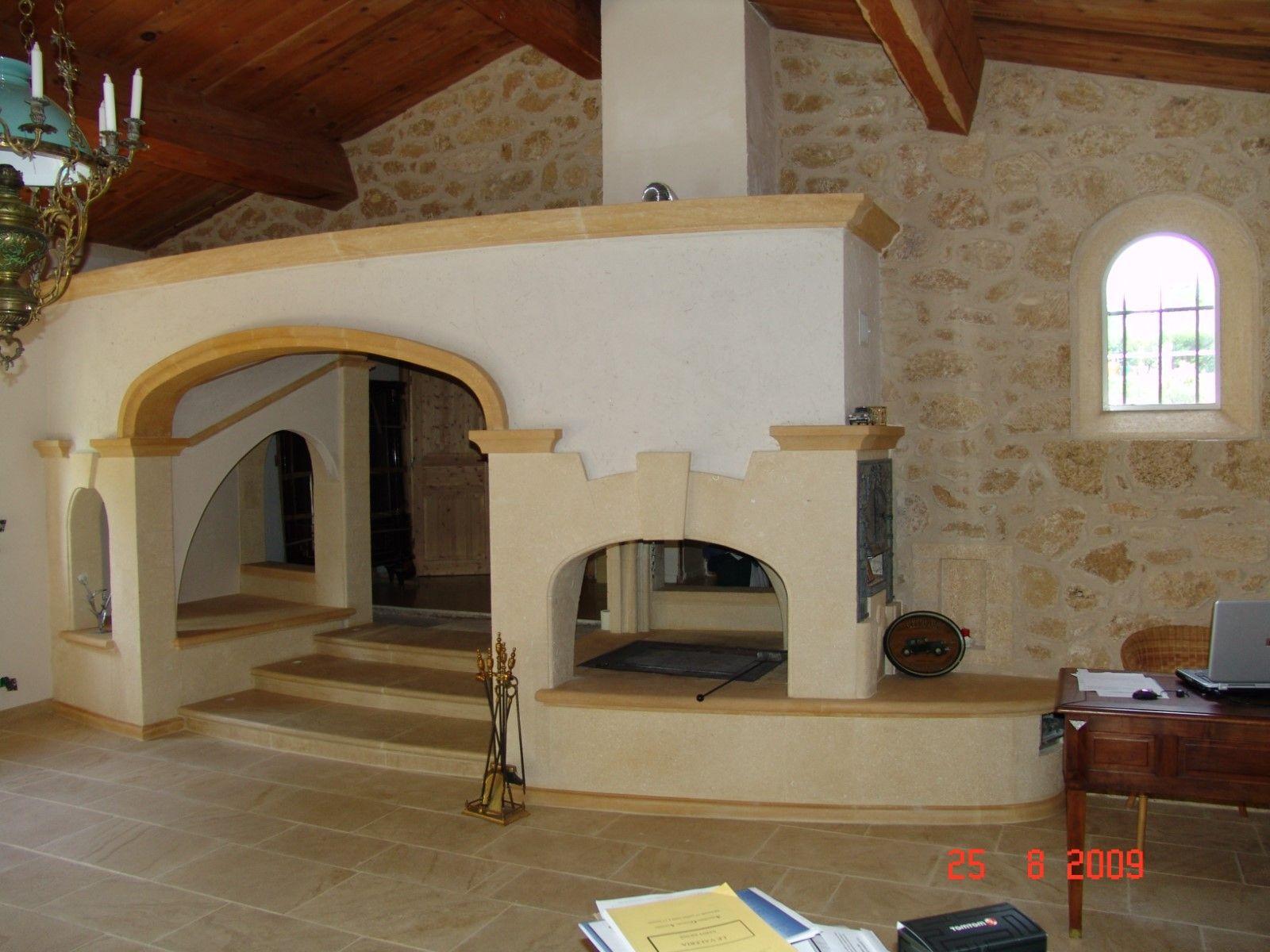 chemin e vout e en pierre de beaulieu et dordogne avec po le bois rognes que du caillou. Black Bedroom Furniture Sets. Home Design Ideas