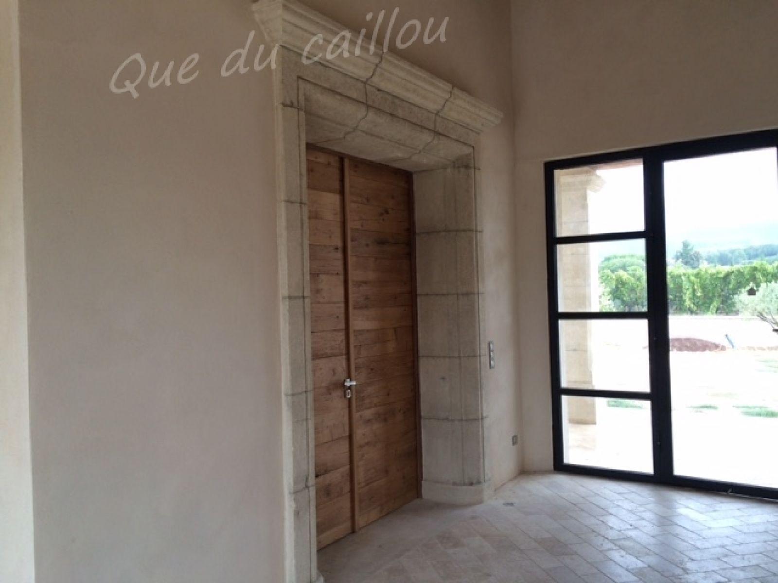 encadrement de porte en pierre de beaulieu cucuron dans le vaucluse que du caillou. Black Bedroom Furniture Sets. Home Design Ideas