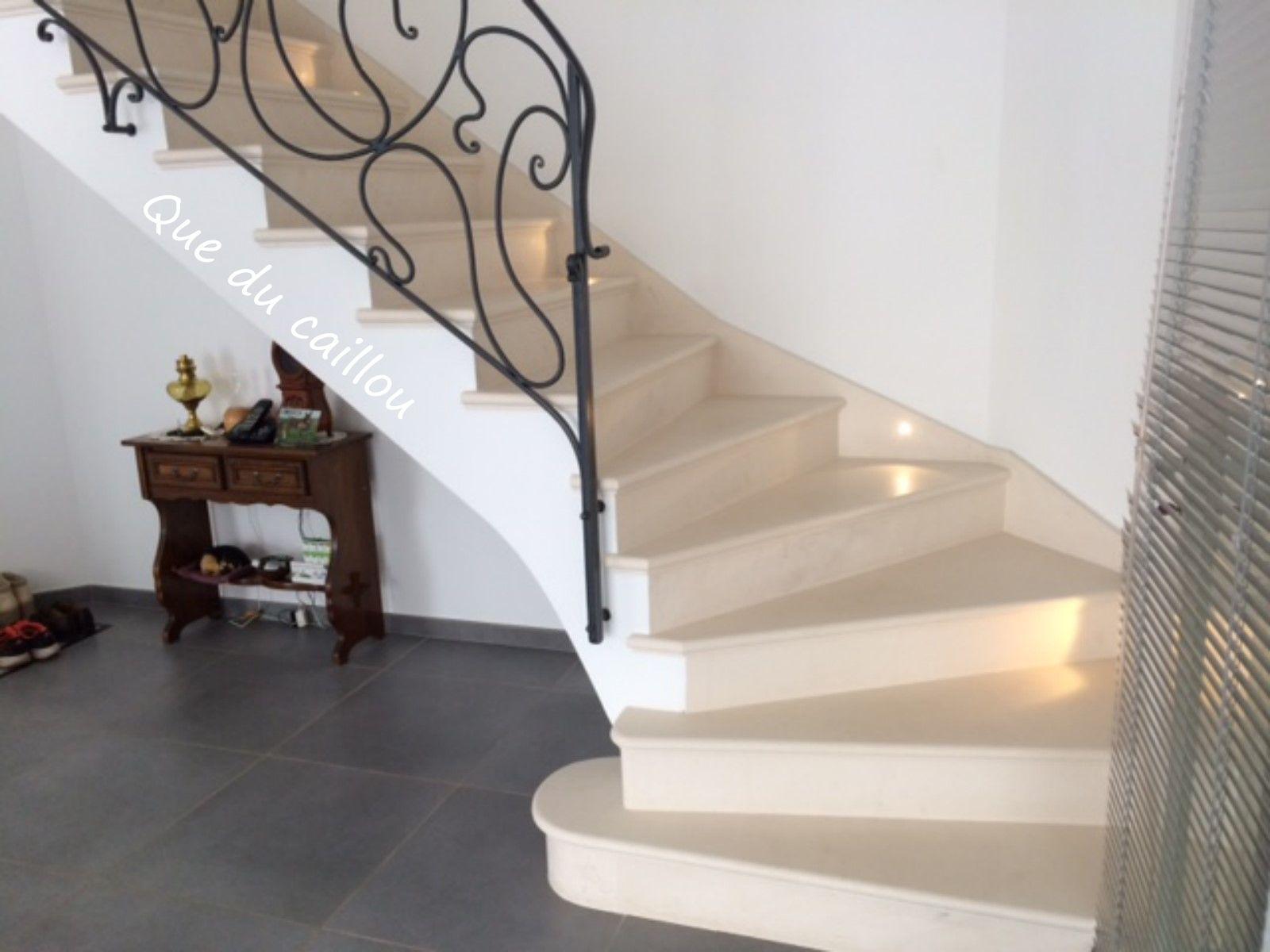 taille et pose d 39 un escalier en pierre de bourgogne sept mes les vallons que du caillou. Black Bedroom Furniture Sets. Home Design Ideas