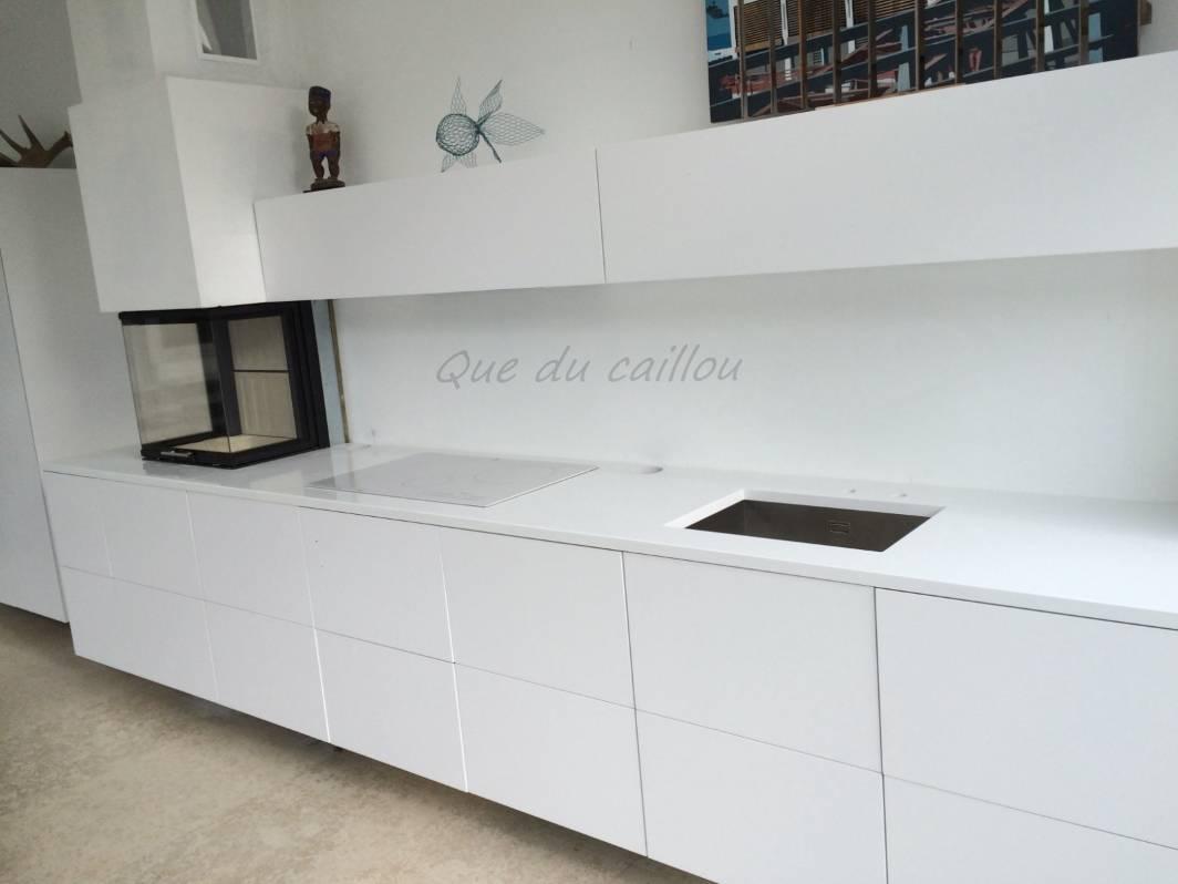 Taille Et Pose De Plan De Cuisine En Quartz Blanc A Marseille Dans