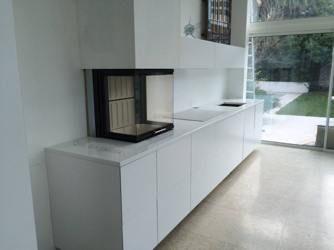 plan de cuisine en quartz blanc marseille dans les bouche du rh ne que du caillou. Black Bedroom Furniture Sets. Home Design Ideas