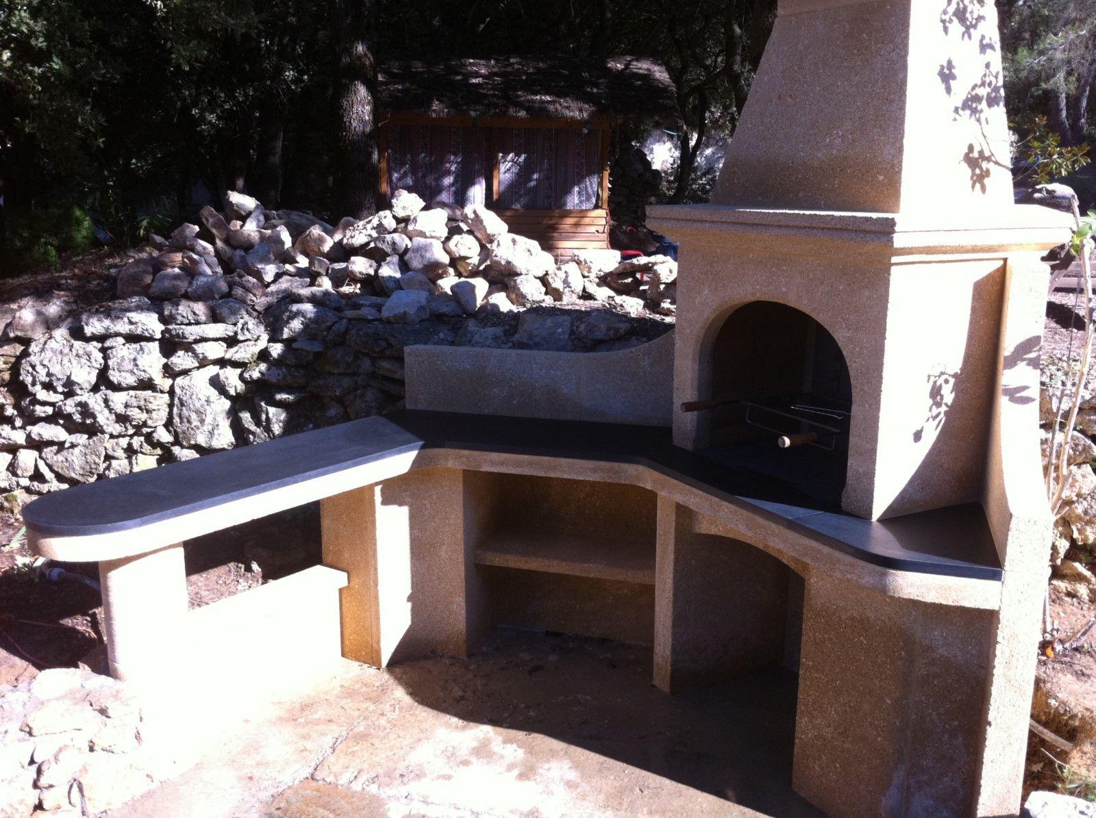 r alisation d 39 un barbecue en pierre du gard et granit noir zimbabwe rognes pr s d 39 aix en. Black Bedroom Furniture Sets. Home Design Ideas
