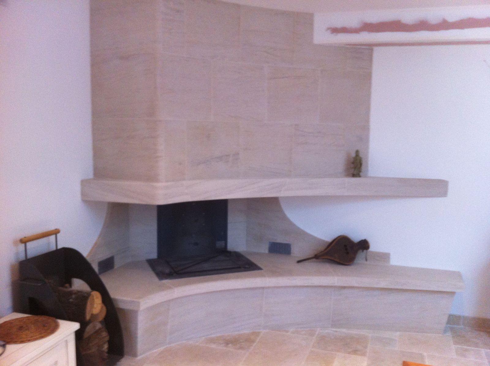 Habillage Cheminée D Angle création d'une cheminée d'angle à foyer ouvert avec system
