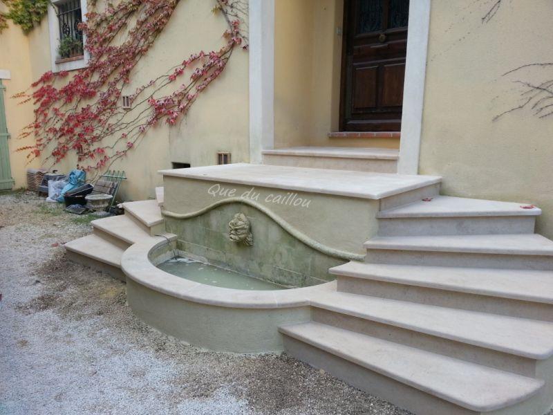R alisations en pierre pour jardin sur aix en provence for Construire un escalier en pierre seche