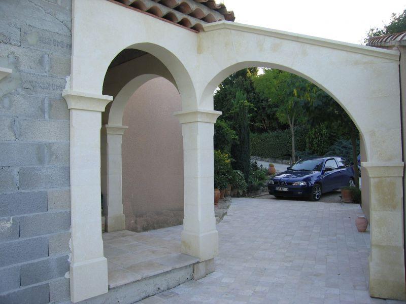 fabrication d 39 une fontaine en pierre moderne salon de provence que du caillou. Black Bedroom Furniture Sets. Home Design Ideas